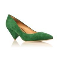 Footwear: Heels